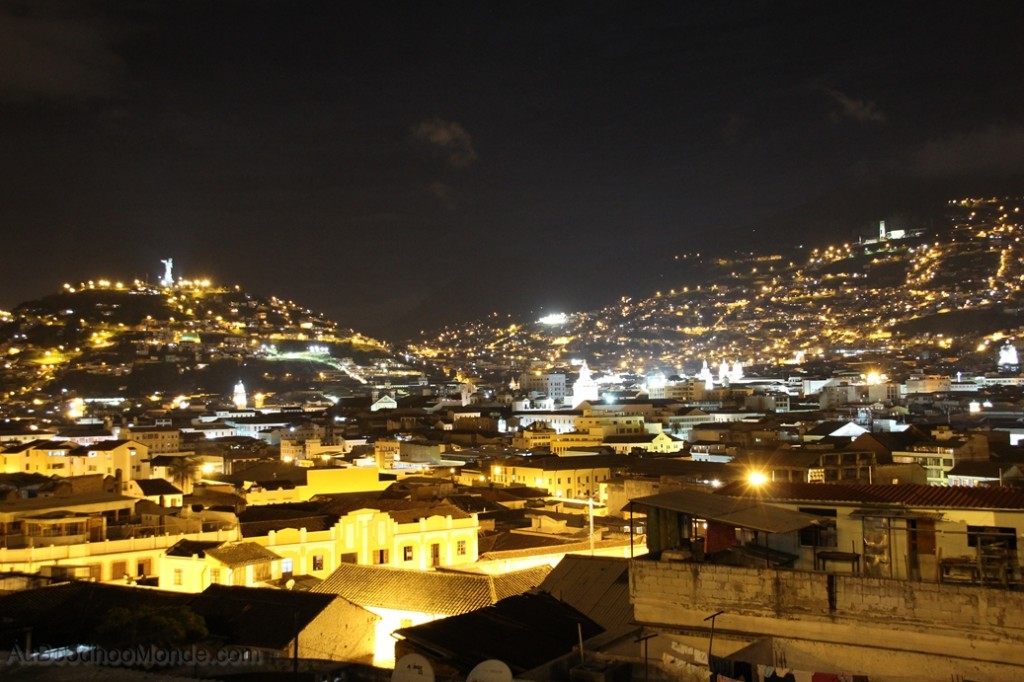 Equateur - Quito by night