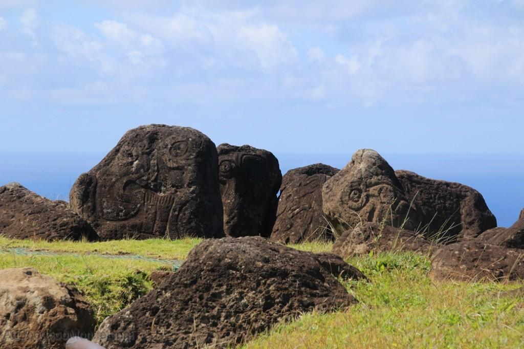 Ile de Paques - Petroglyphes Orongo