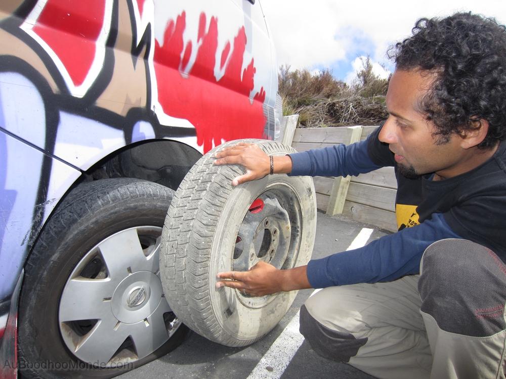 Nouvelle-Zelande - Changement de roue