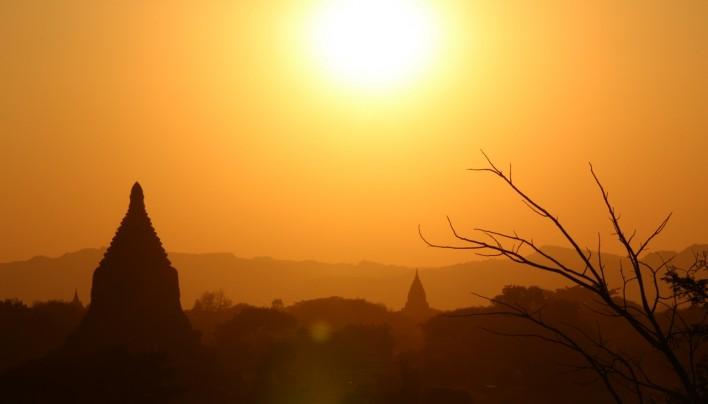Les Boodhoo au pays des Bouddhas