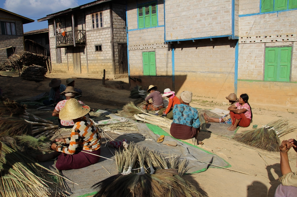Myanmar - Artisanat Balais