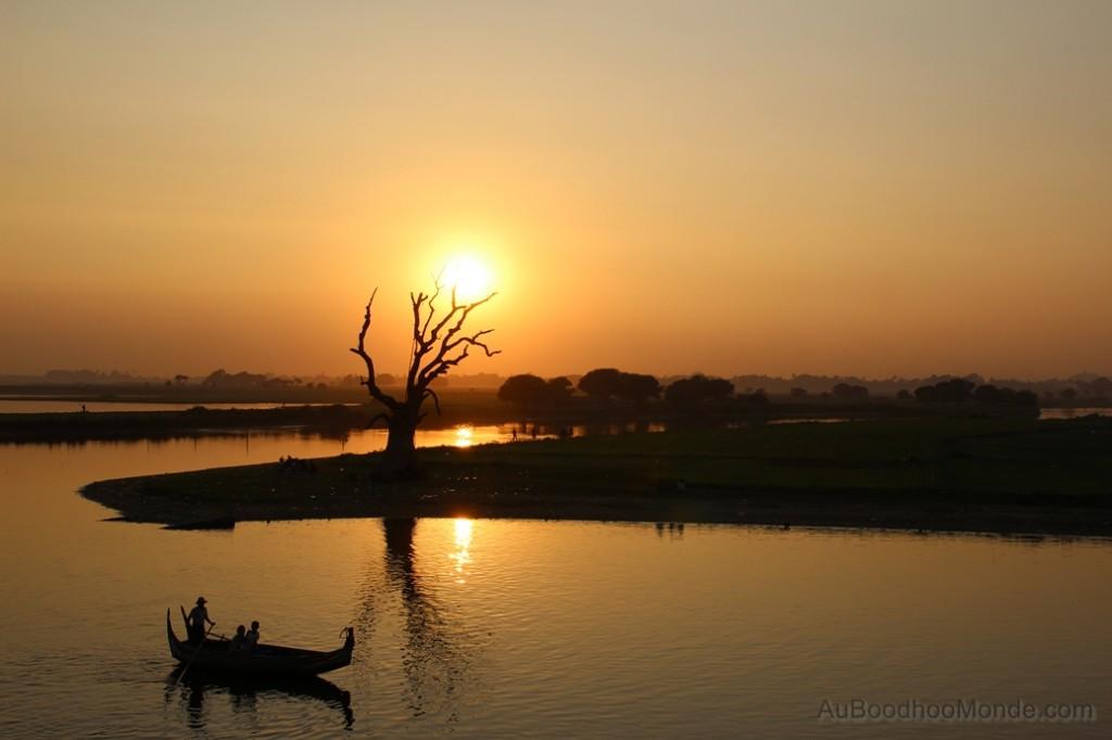 Myanmar - Depuis pont en teck