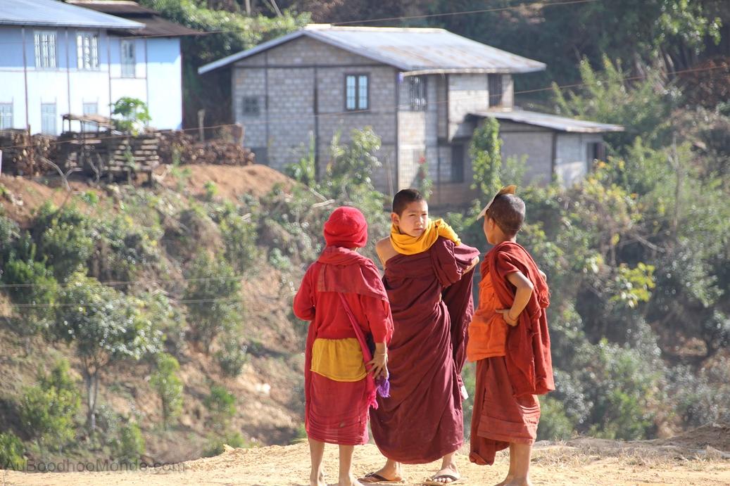Myanmar - Jeunes moines