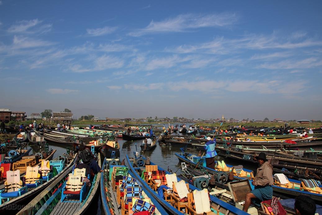 Myanmar - couleurs bateaux