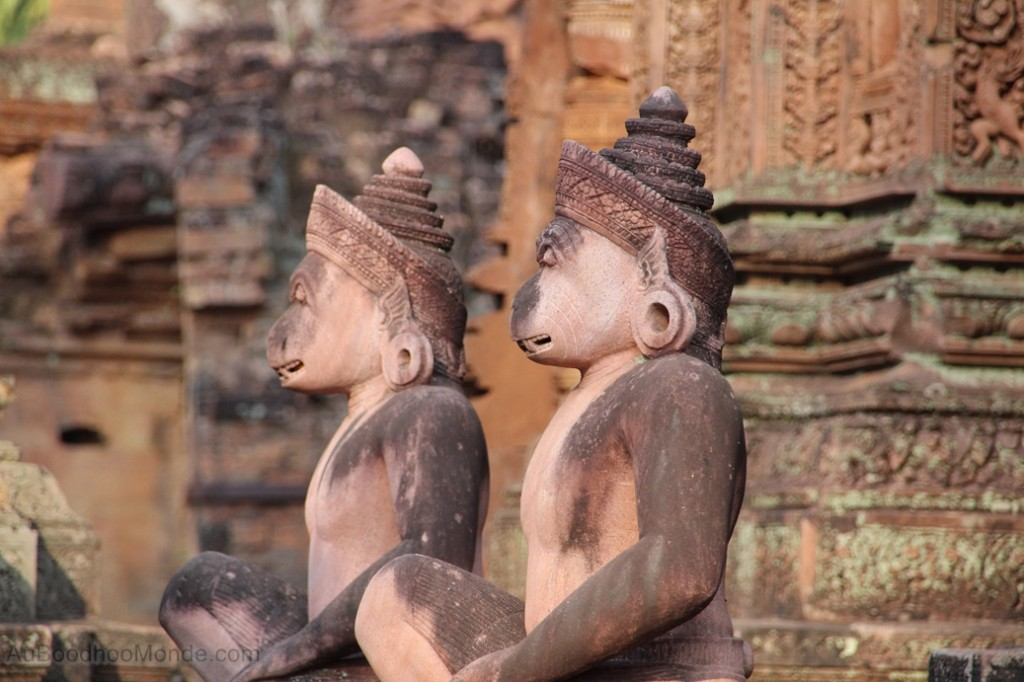 Cambodge - Angkor Banteay Srei gardien