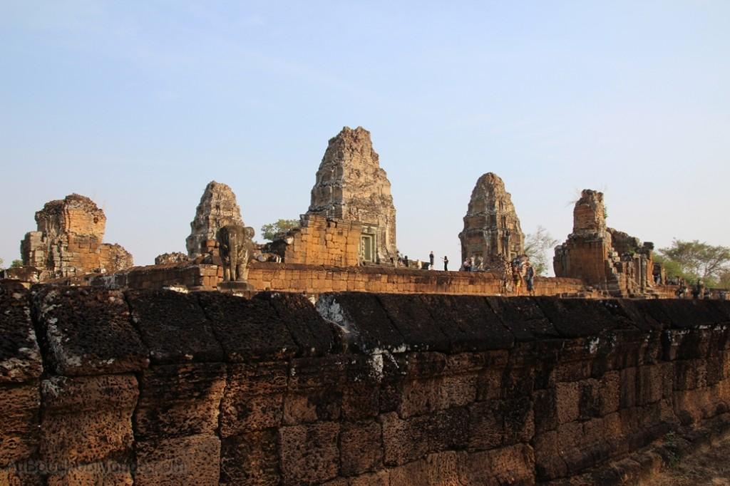 Cambodge - Angkor Mebon oriental