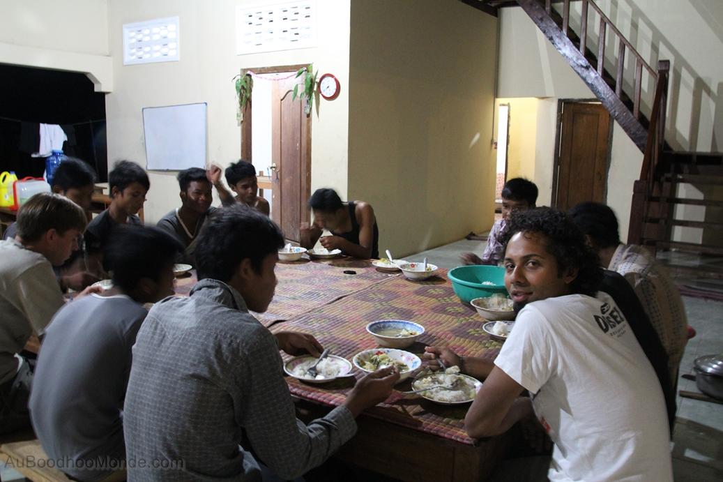 Enfants du Mékong - Diner avec les jeunes
