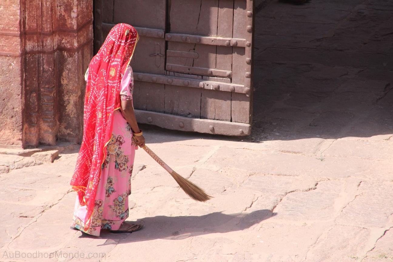 Inde - Rajasthan - Femme sari rouge