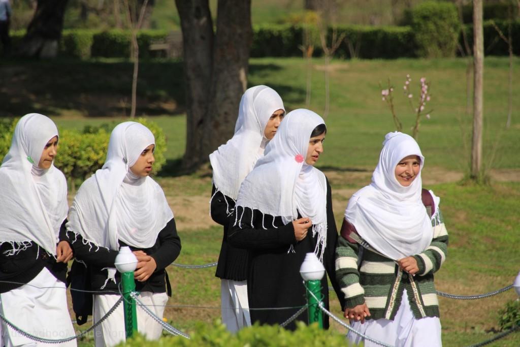 Kashmir filles