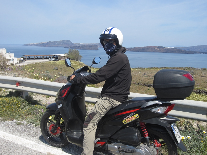Santorin location scooter